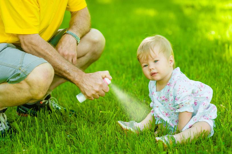 Ostrożności nigdy za wiele, zwłaszcza podczas wakacyjnych wyjazdów z dziećmi /123RF/PICSEL