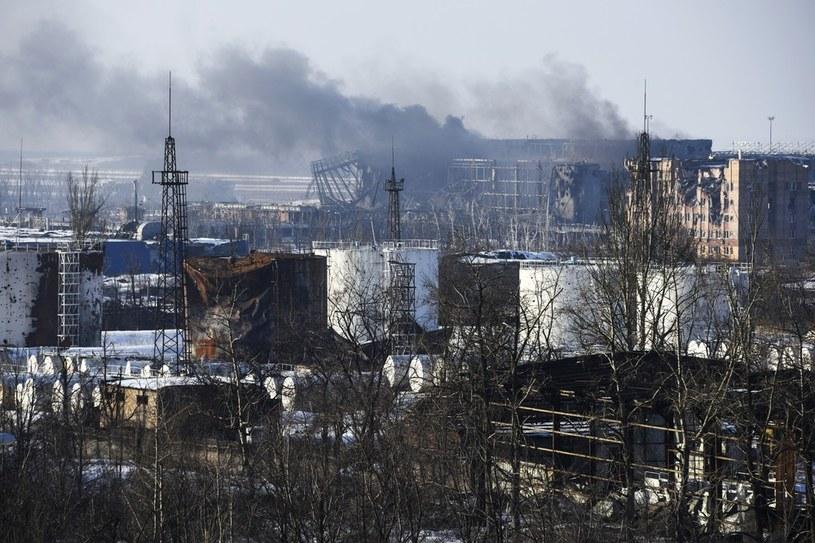 Ostrzelane lotnisku w Doniecku, zdj. z 15 stycznia 2015. /East News /AP