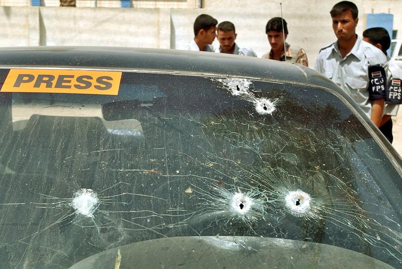 Ostrzelany samochód, którym jechał Waldemar Milewicz /ASSOCIATED PRESS/East News /East News