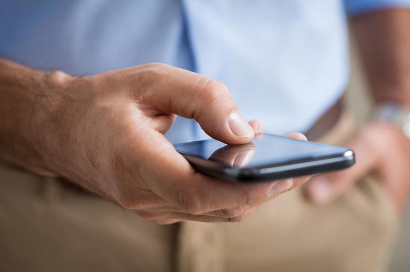 Oszuści telefoniczni są coraz bardziej bezczelni /123RF/PICSEL