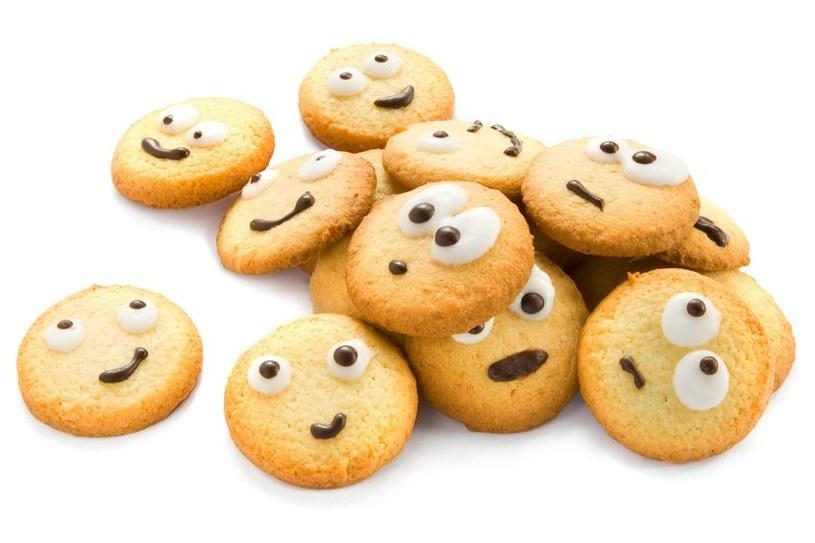 Oszuści wysyłają fałszywe pisma z wezwaniem do zapłaty grzywny za brak informacji o plikach cookies /123RF/PICSEL