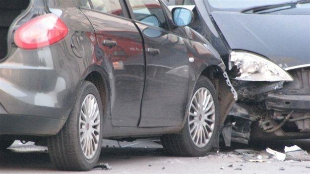 Oszustwa ubezpieczeniowe dotyczą głównie samochodów /RMF