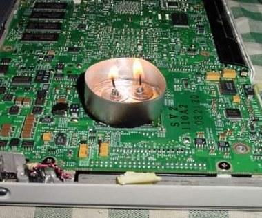 Oto, jak nie należy naprawiać laptopa