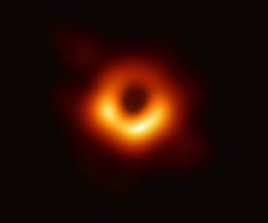 Oto pierwsze w historii zdjęcie czarnej dziury