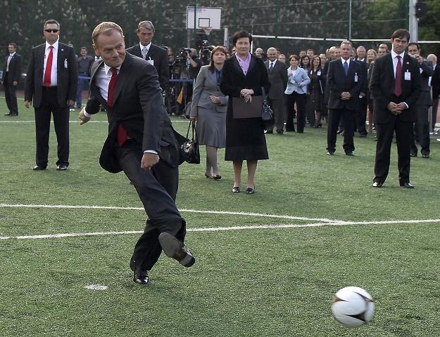 Otwarcie boiska w ramach projektu Orlik 2012 z udziałem premiera, fot. T. Paczos /Agencja FORUM