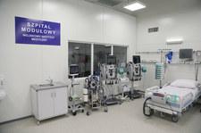 Otwarcie modułowego szpitala dla chorych na COVID-19 w Warszawie