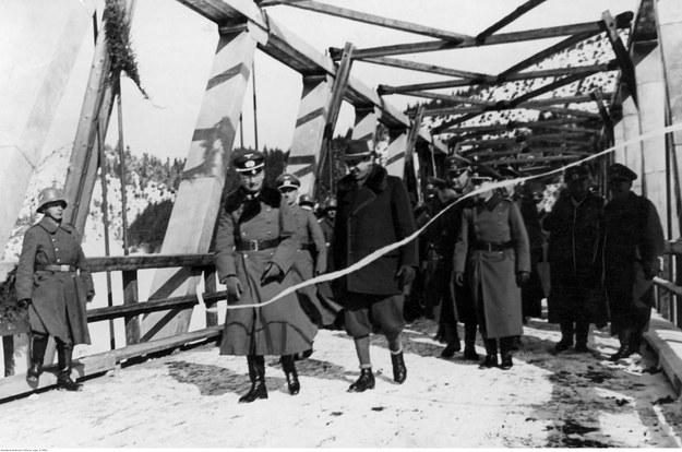 Otwarcie mostu na Dunajcu między Generalną Gubernią a Słowacją. Rok 1940 /Z archiwum Narodowego Archiwum Cyfrowego