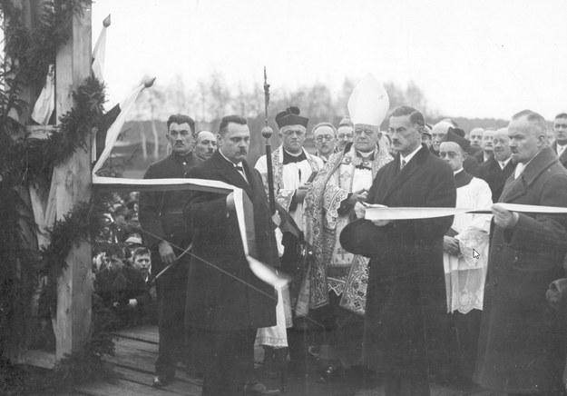 Otwarcie północnego odcinka magistrali kolejowej w 1930 roku /Z archiwum Narodowego Archiwum Cyfrowego