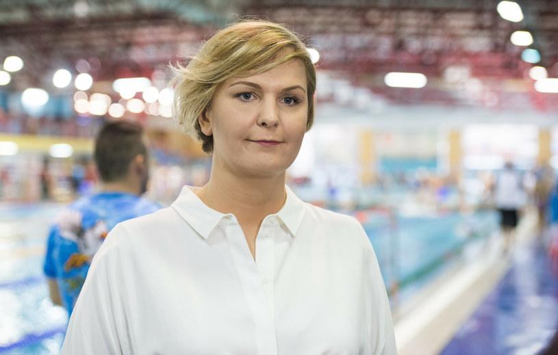 Otylia Jędrzejczak jest zdecydowanie najwyższą kobietą w polskim show-biznesie /PAWEL SKRABA/REPORTER /East News