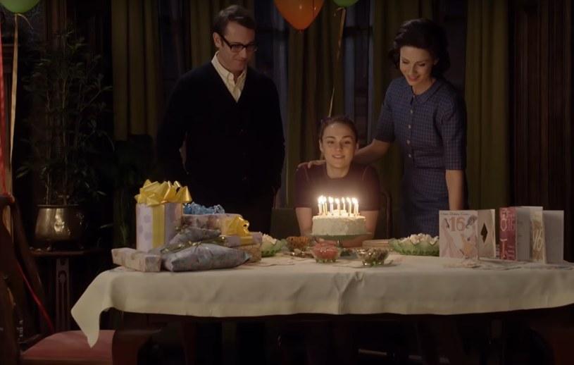 """Outlander"": Frank (Tobias Menzies), Brianna (Sophie Skelton), Claire (Caitriona Balfe) /YouTube"