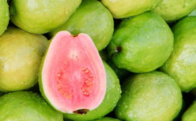 Owoc guawy /© Photogenica
