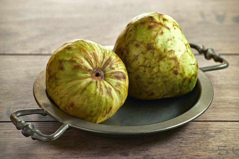 Owoce flaszowca peruwiańskiego są nie tylko wyjątkowo smaczne, ale też pożywne /123RF/PICSEL