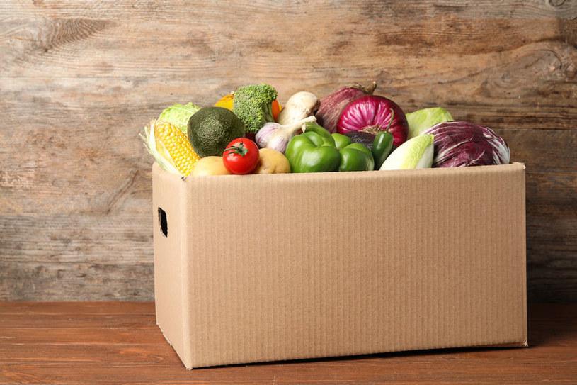 Owoce i warzywa powinny - wraz z produktami pełnoziarnistymi - dominować w diecie /123RF/PICSEL