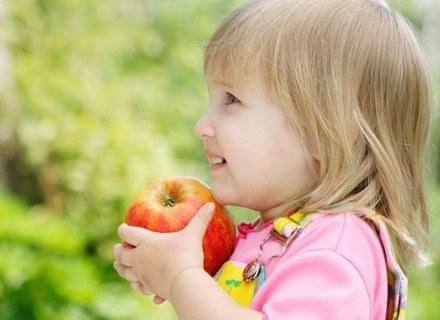 Owoce i warzywa włączaj do każdego posiłku /© Panthermedia