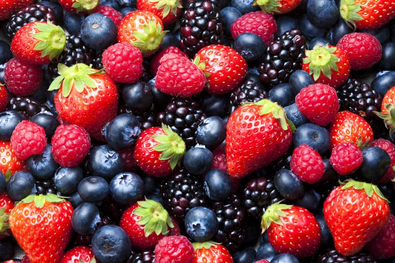 Owoce jagodowe są często wykorzystywane w kosmetyce /123RF/PICSEL