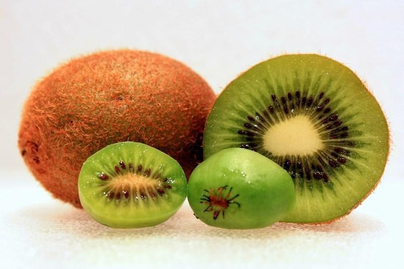 Owoce kiwi /© Photogenica