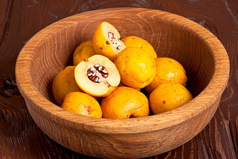 Owoce pigwy są przede wszystkim bogate w witaminy A, C i z grupy B /123RF/PICSEL