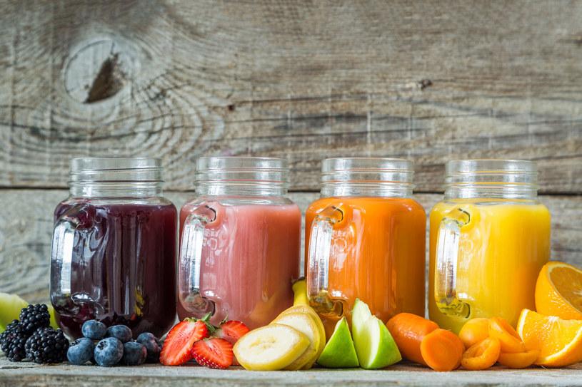 Owoce są bogate w witaminy, sole mineralne i antyutleniacze /123RF/PICSEL