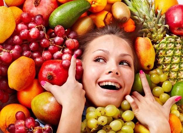 Owoce zawierają mnóstwo witamin! /123RF/PICSEL
