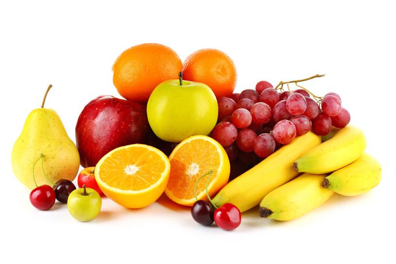 Owoce zawierają naturalną fruktozę. Nie musimy ograniczać ich spożycia /123RF/PICSEL