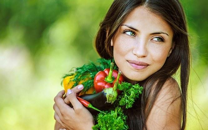 Owoce zdrowe przekąski /© Photogenica