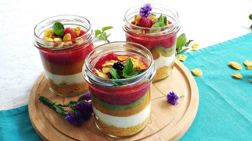 Owocowo-jogurtowe śniadanie /materiały prasowe
