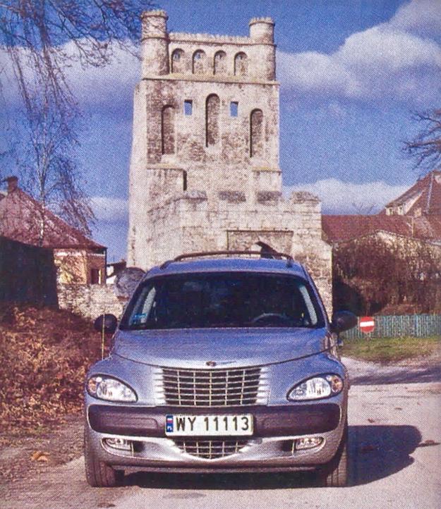 Ozdobą murów Szydłowa jest późniejsza od nich Brama Krakowska. /Motor