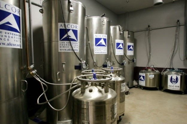 Pacjenci Alcor są przechowywani w takich pojemnikach, w temperaturze -196 stopni Celsjusza /materiały prasowe