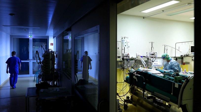 Pacjenci covidowi w szpitalu, zdj. ilustracyjne /AFP