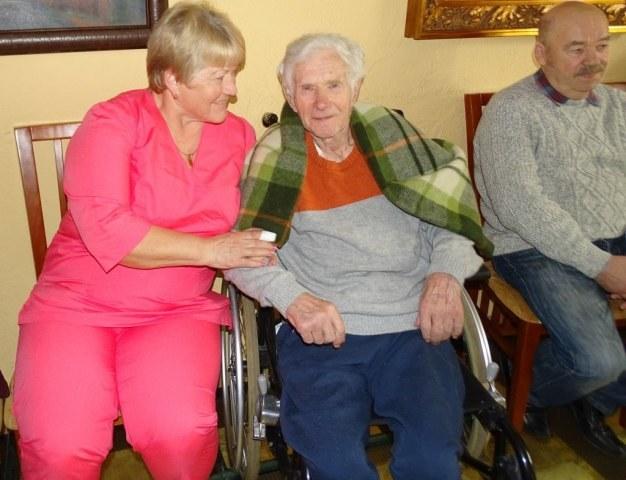 Pacjenci hospicjum cieszą się z dobrych warunków /Hospicjum bł. ks. Michała Sopoćki  /