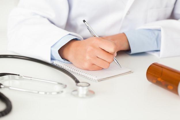 Pacjenci zażywający leki refundowane powinni jak najszybciej wykupić je na zapas? /© Panthermedia