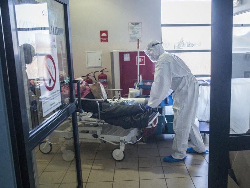 Pacjenci ze śląskich szpitali są przenoszeni do placówek w innych województwach; zdj. ilustracyjne /Marek M. Berezowski /Reporter