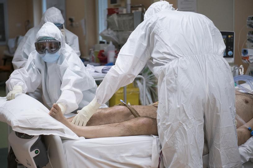 Pacjent chory na COVID-19 w szpitalu we Włoszech /Stefano Guidi /Getty Images