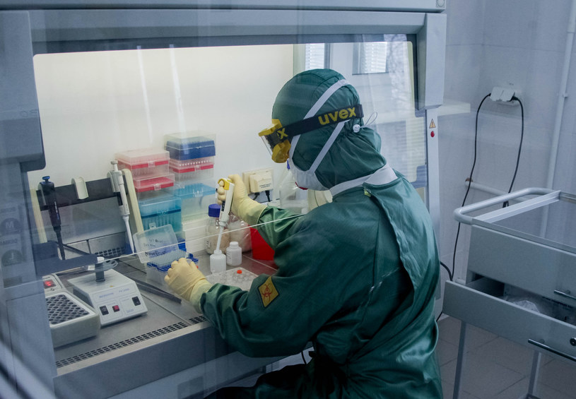 Pacjent z podejrzeniem koronawirusa trafił do szpitala w Olkuszu, zdjęcie ilustracyjne /Yevgeny Sofiychuk /Agencja FORUM