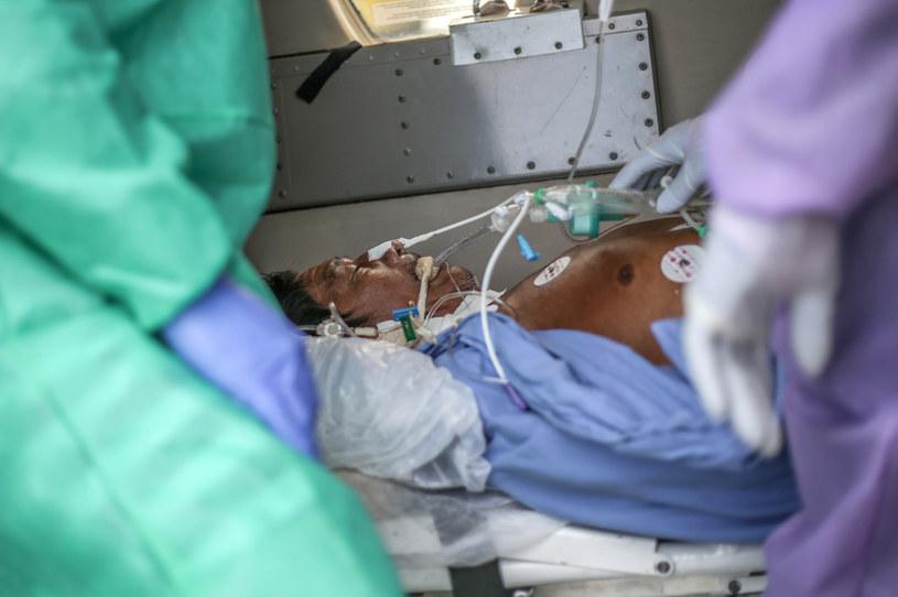 Pacjent zakażony koronawirusem w Brazylii /Andre Coelho /Getty Images