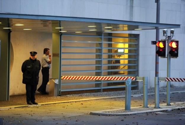 Paczkę znaleziono w Urzędzie Kanclerskim w Berlinie /AFP