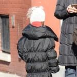 Padma Lakshmi ubrała w córkę w za długi płaszcz!