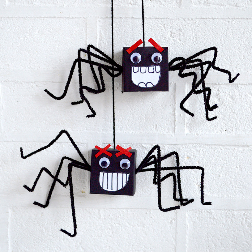 pająki na halloween /© Photogenica