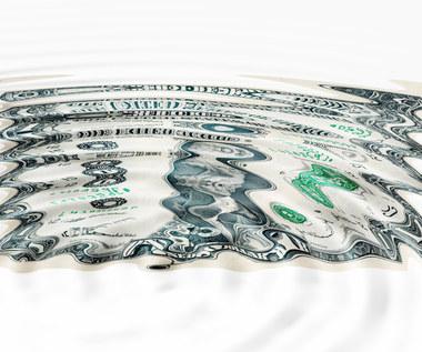 Pakiet fiskalny, Fed i dolar w centrum uwagi