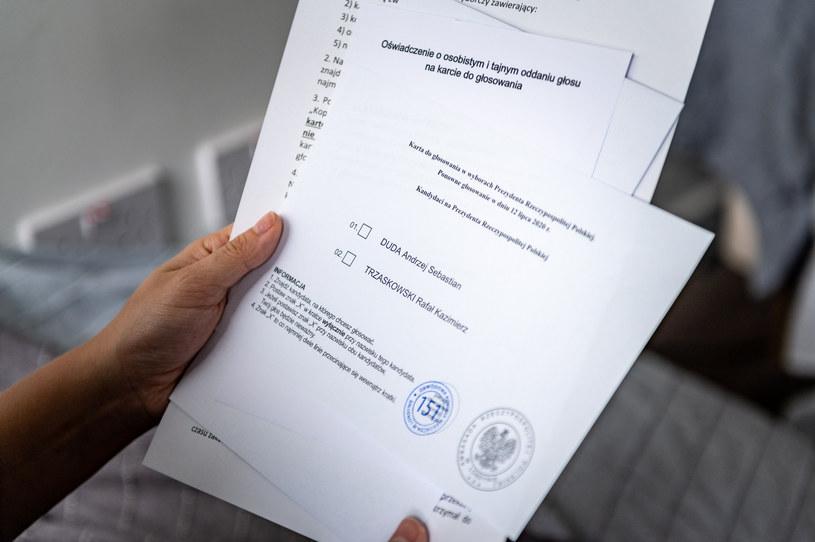 Pakiet wyborczy do głosowania korespondencyjnego w II turze wyborów. Zdj. ilustracyjne /Jacek Klejment /East News