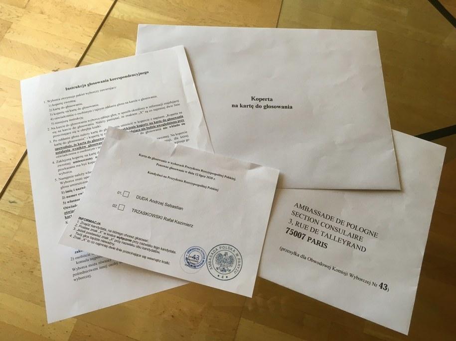 Pakiet wyborczy rozesłany do Polaków głosujących we Francji /Marek Gładysz /RMF FM