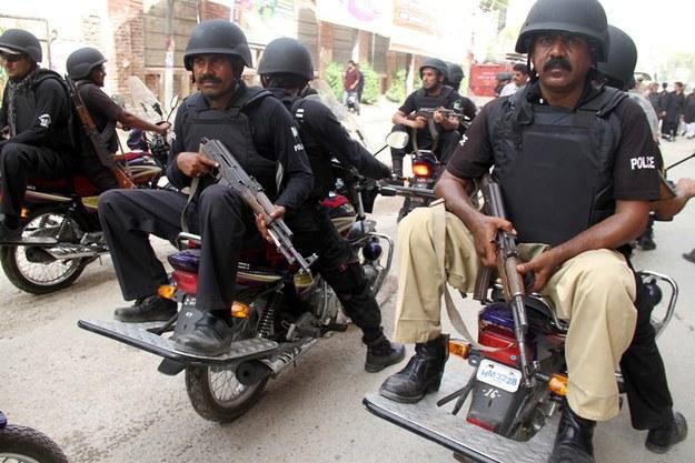 Pakistańska policja szuka sprawców ataków /NADEEM KHAWER /PAP/EPA