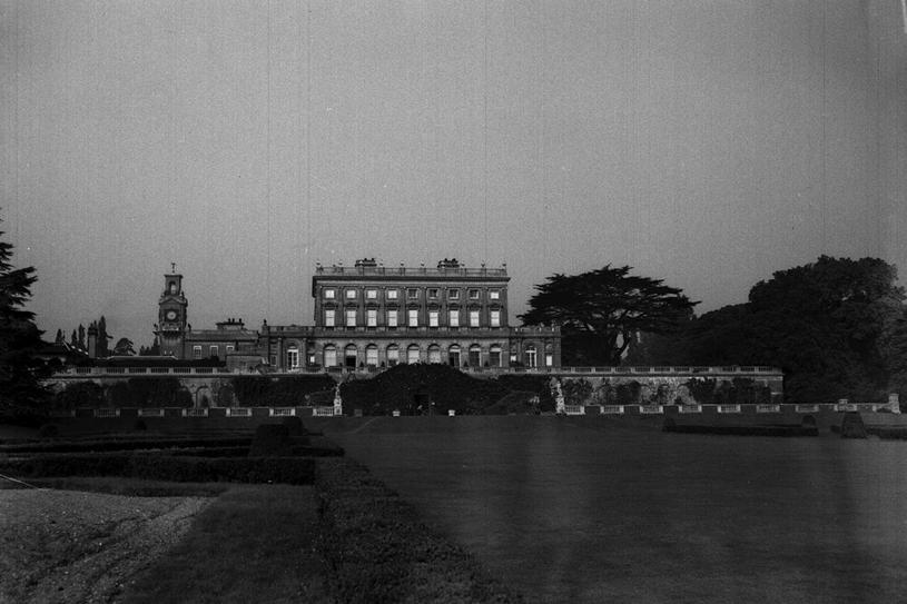 Pałac Cliveden był prezentem ślubnym od teścia dla młodej lady Astor i jej męża. Z górującej nad Tamizą posiadłości rozciąga się imponujący widok na okolice Windsoru /Getty Images