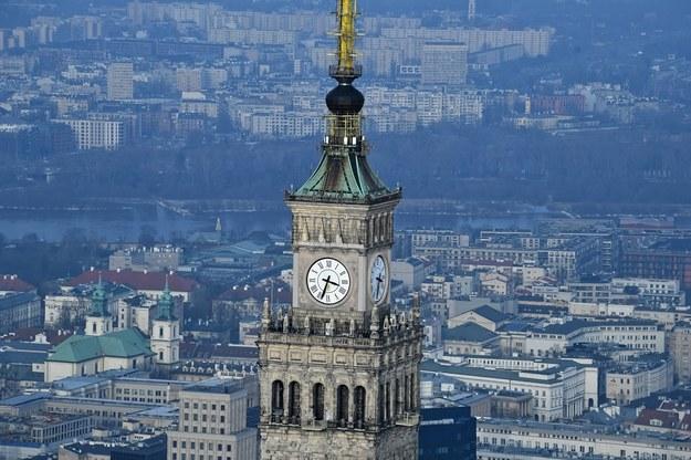 Pałac Kultury i Nauki w Warszawie / Radek Pietruszka   /PAP