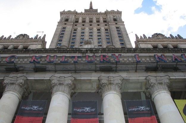 """Pałac Kultury i Nauki został """"opanowany"""" przez bannery Imagine Cup oraz Microsoft /INTERIA.PL"""