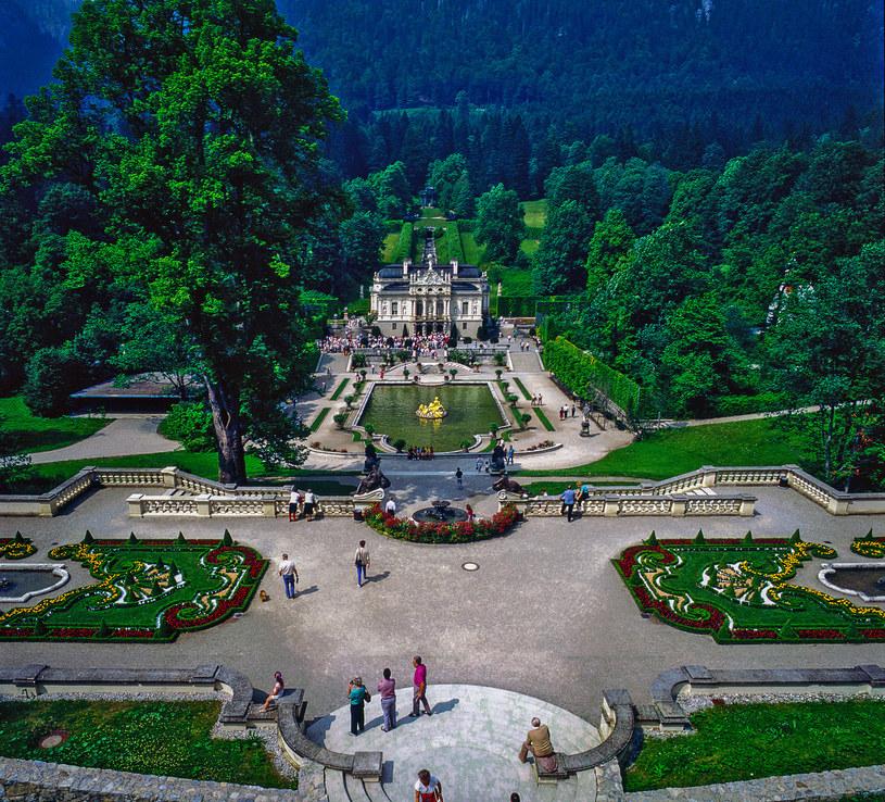 Pałac Linderhof, podobnie jak pałac Herrenchiemsee, to hołd dla francuskiej architektury /123RF/PICSEL
