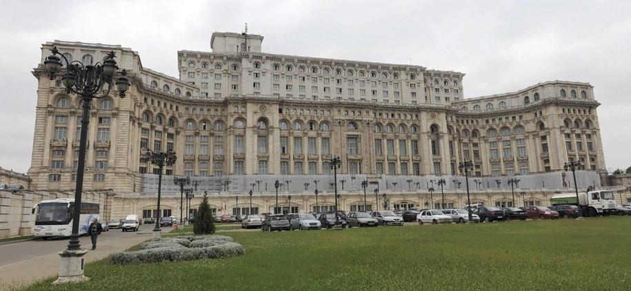 Pałac Parlamentu w Bukareszcie /Peter Kneffel / dpa /PAP