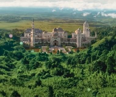 """Pałac z """"Księcia w Nowym Jorku 2"""" istnieje naprawdę. To dom znanego rapera"""