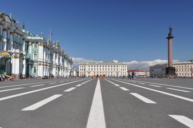 Pałac zimowy w Petersburgu /123RF/PICSEL
