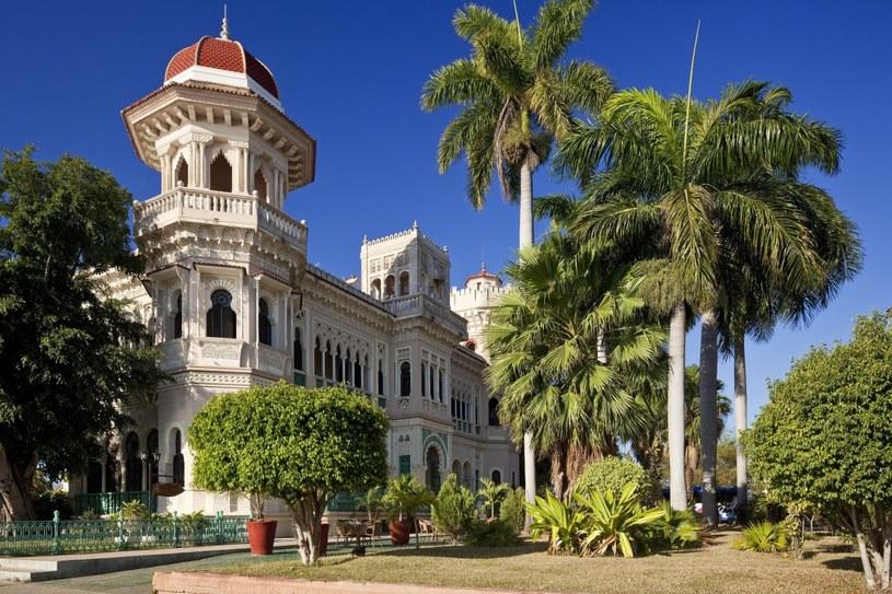 Palacio de Valle w Cienfuegos powstał na zlecenie najbogatszego kubańskiego kupca. Dziś mieści się tu stylowa restauracja. /Agencja FORUM